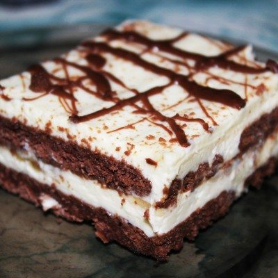Бисквитена торта с крем от маскарпоне, банани и шоколад