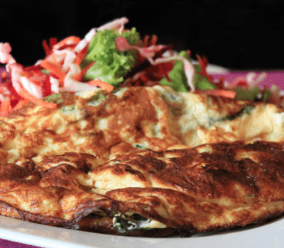 omlet-sas-spanak-i-ovche-sirene
