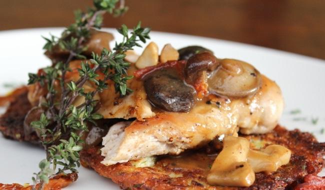 Филе от фазан с ароматни горски гъби и рьощи от тиквички